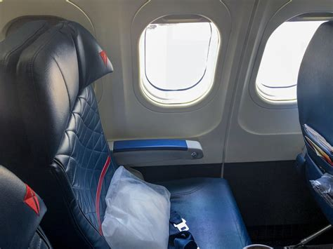 delta 717 cabin delta air lines fleet boeing 717 200 details and pictures
