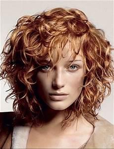 Coupe Carré Frisé : coupe courte pour cheveux frises epais ~ Melissatoandfro.com Idées de Décoration