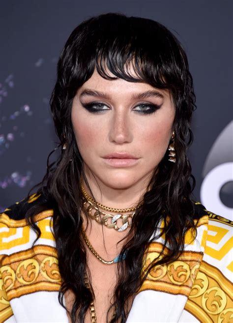 kesha    american  awards celebrity hair
