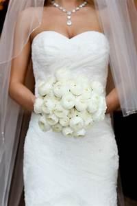 pourquoi opter pour un bouquet de mariee rond With chambre bébé design avec robe blanche à fleurs