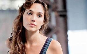 CBMB: Has Gal Gadot Wrapped on Batman v Superman? | FanboysInc