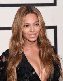 Beyonce Hairstyle Timeline: Photos of Beyonce's Hair ...