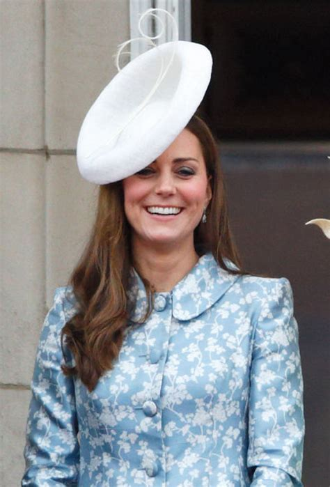 kate middletons  hat moments