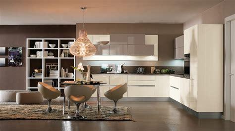 cuisine blanche et marron catalogue des cuisines prestiges cuisines installées par des menuisiers ébénistes