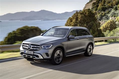 For 2021, mercedes gifts the glc lineup with more standard features and more standalone options. 2020 Mercedes-Benz GLC-Class 300 4MATIC four-door wagon ...