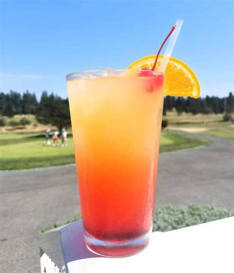 Cocktail malibu beach ingredients : Malibu Sunset! This is a super sweet, fruity, easy summer ...