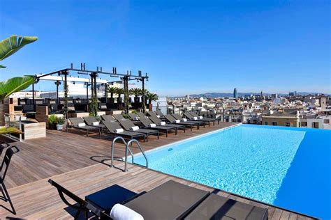 hotel piscine interieure barcelone 5 hoteles musicales para viajeros locos por la m 250 sica