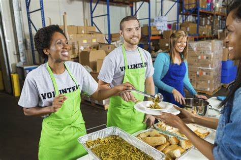 soup kitchen volunteer how to volunteer the holidays and into new year