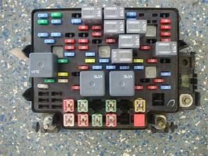 2003 Yukon Fuse Box