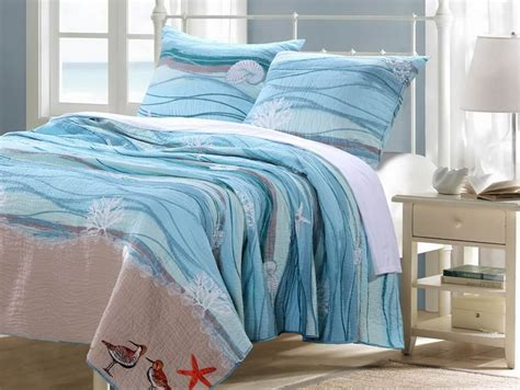 Beach Comforters & Quilts