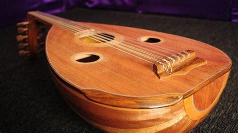Untuk mencegah kurangnya pengetahuan akan alat musik tradisional di indonesia, berikut ada kumpulan alat musik tradisional dan keterangannya yang dapat anda temukan sesuai dengan asalnya. Jenis Alat Musik Tradisional Dan Asal Daerahnya - Berbagai ...