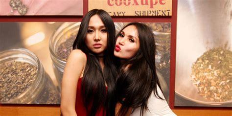Takut Hamil Telat Datang Bulan Ogah Disamakan Duo Serigala Penyanyi Seksi Ini Ngaku