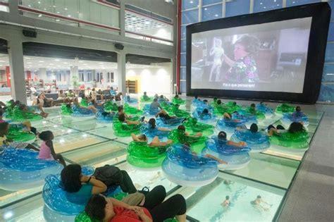 ferias  sesc belenzinho tem cinema na piscina passeios