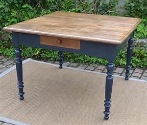 table carree pour cuisine plateau en bois naturel With table de cuisine ancienne en bois