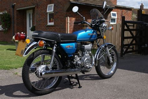 Suzuki Gt185 by Restored Suzuki Gt185 1974 Photographs At Classic Bikes