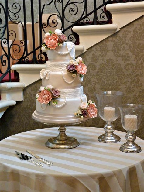 Top 30+ Cakes With Elegant Pearls  Page 9 Of 40