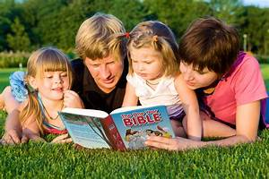 3 reasons why daily Bible reading is great for your child ...