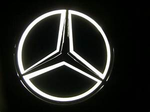 Mercedes Benz Emblem : white universal replica led illuminated star emblem ~ Jslefanu.com Haus und Dekorationen
