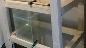 Aquarium Unterschrank Bauen : einfaches aquarium regal aus holz selber bauen youtube ~ Frokenaadalensverden.com Haus und Dekorationen