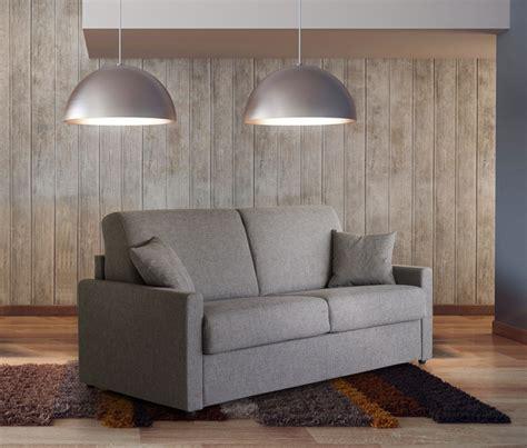 canapes modulables tissus salon en cuir moderne ou rustique en exposition permanent
