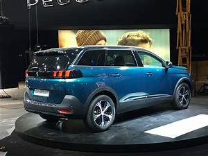 Peugeot Suv 5008 : peugeot 5008 spied at the 2016 paris motor show venue ~ Medecine-chirurgie-esthetiques.com Avis de Voitures