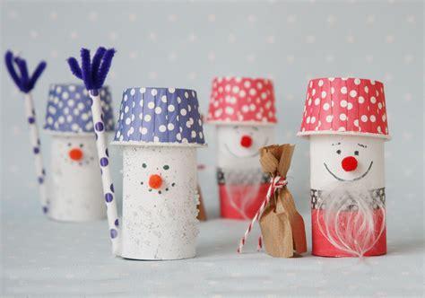 bastelideen winter erwachsene schneemann aus toilettenpapierrolle basteln ganz einfach