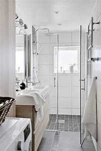 Salle De Bain Etroite : lumi re blanche d hiver int rieurs salle salle de bain et salle de bains troite ~ Melissatoandfro.com Idées de Décoration