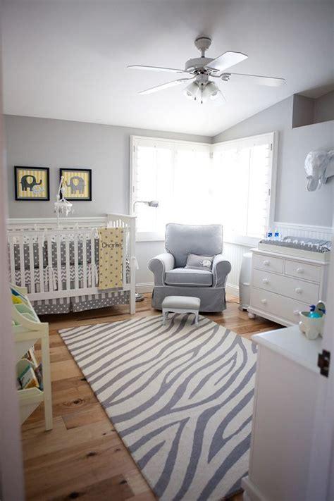 chambre bébé gris et blanc deco chambre bebe blanc et gris