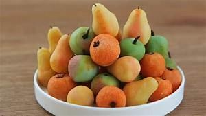 How to Make Marzipan Fruits - Hilah Cooking