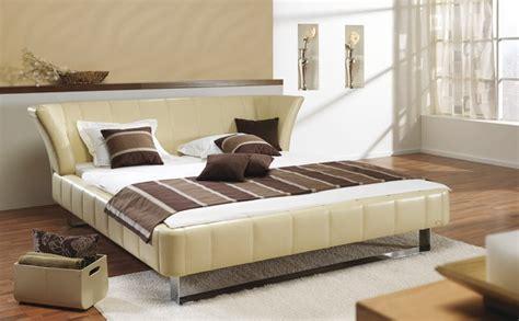 bureau 2ememain pin chambre avec lit en hauteur et bureau dessous a vendre