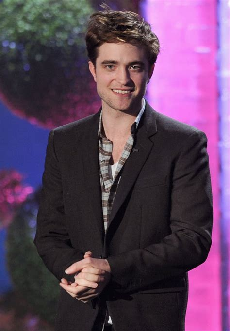 Photos of Robert Pattinson Smiling | POPSUGAR Celebrity UK