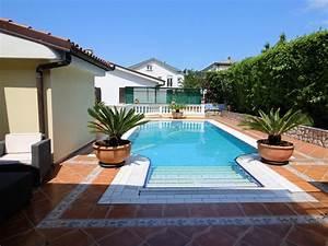 Terrasse Mit Pool : baroni urlaub villa lijane 1 mit pool und garten in kroatien ~ Yasmunasinghe.com Haus und Dekorationen