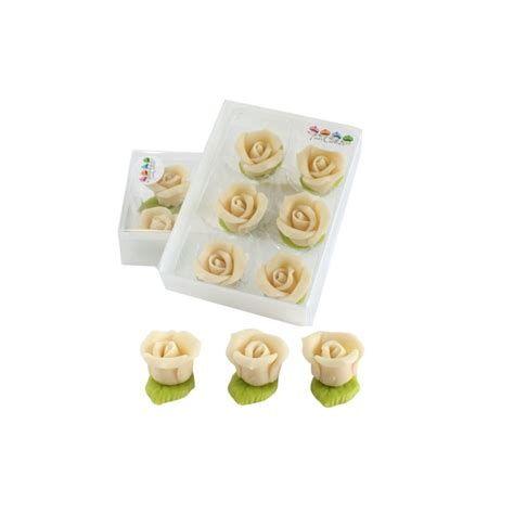 6 roses en p 226 te d amande quot blanches quot funcakes
