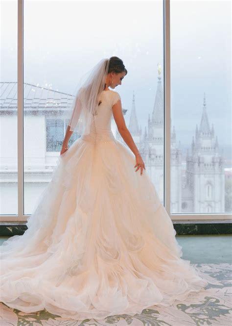 cutest wedding dresses best 20 wedding dress ideas on wedding