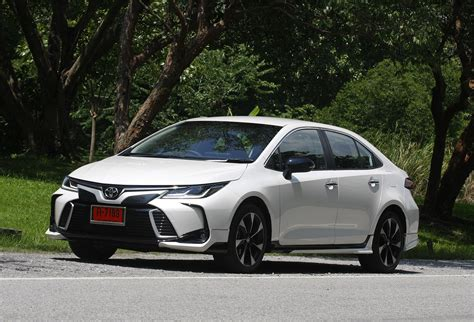 Review Toyota Corolla Altis by Toyota Corolla Altis 1 8 Gr Sport 2019 Review
