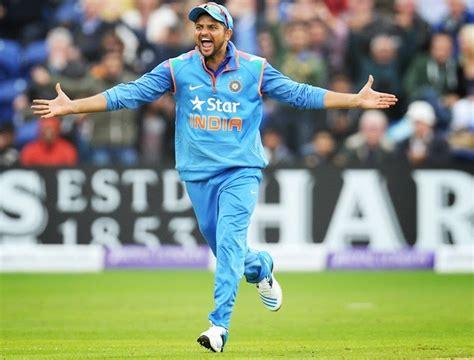 Top Cricketer Suresh Raina Hd Stock Photos