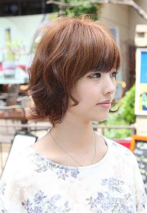 asian hairstyles layered short wavy bob hairstyle