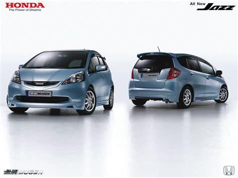 Nissan Livina Backgrounds by Nissan Livina
