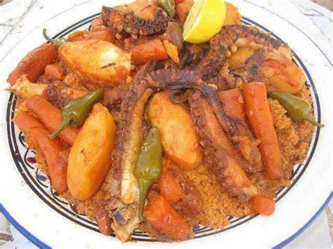 plat principal couscous aux poulpes de la cuisine tunisienne