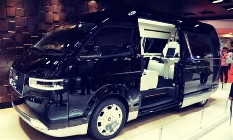 gen toyota hiace  expected  debut early