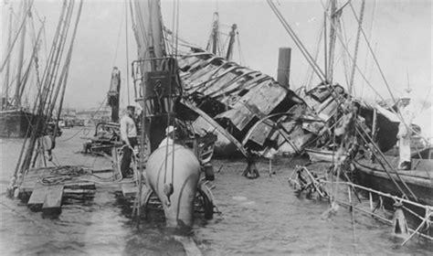 Uss Maine Battleship Sinking In Harbor by Uss Maine Explosion