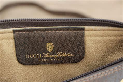 gucci vintage  brown monogram barrel bag