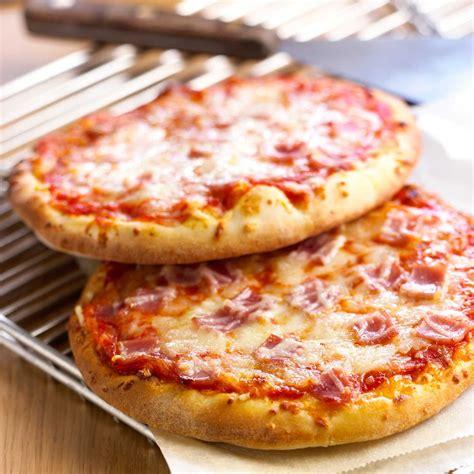 pizza jambon fromage facile et pas cher recette sur cuisine actuelle