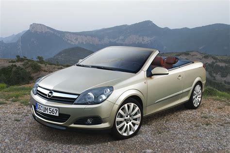 Opel Convertible by Opel To Launch New Astra Based Convertible Model In 2013