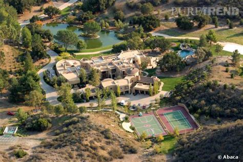 maison de will smith will smith et pinkett smith poss 232 dent une villa 224 42 millions de dollars sur les collines