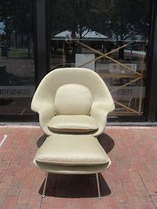 Saarinen Womb Chair And Ottoman By Knoll At 1stdibs
