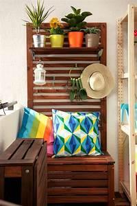 Sitzbank Für Balkon : tipps zur balkongestaltung kleinen balkon pfiffig dekorieren ~ Buech-reservation.com Haus und Dekorationen