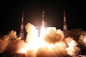 India's Space Program Eyes Mars Mission, Test Of Big Rocket