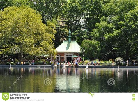 Rc Boats Nyc by Rc Boats In Central Park Lake Stock Image Cartoondealer