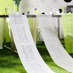 Chemin De Table Anniversaire : chemin de table blanc joyeux anniversaire ~ Melissatoandfro.com Idées de Décoration